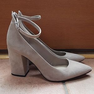 Saks Fifth Ave Tan Suede Heels 🌟GR8 CONDITION🌟